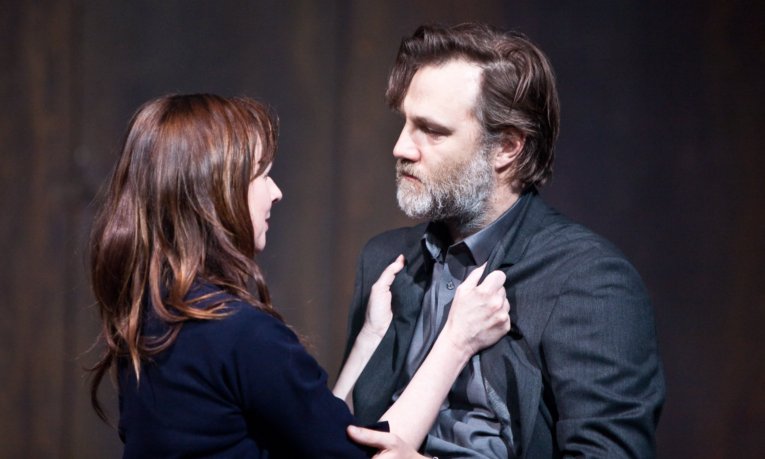 Julia Ford (Lady Macbeth) and David Morrissey (Macbeth) in Macbeth | Liverpool Everyman Theatre © Helen Warner