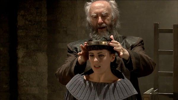 Jonathan Pryce (King Lear) and Phoebe Fox (Cordelia) in King Lear | Digital Theatre+